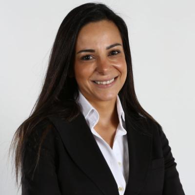 <span class='agenda-slot-speaker-name'>Corine Kiame Kari</span>